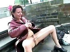 Küps Briti Naine Pissing Avaliku
