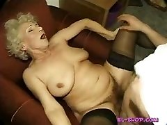 Wooly grannie Norma pissing