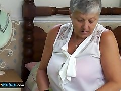 EuropeMature Grandmother Savana have to do it herself