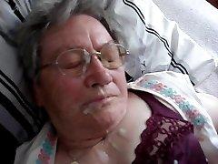 Vokietijos Granny Cumshot 1