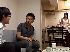Eriko Miura küps ja metsikud Aasia õde asendis 69
