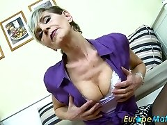 EuropeMaturE Jaw-dropping Granny Ivana Solo Frigging