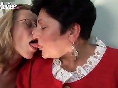 LÕBUS FILME Horny Vanaema Lesbid