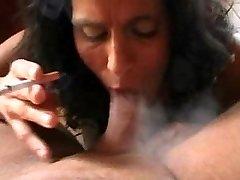 Itaalia Ema Suitsetamine Fetish