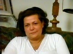 Karvane Vanaema R20