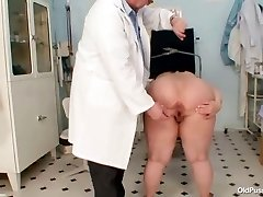Big tits, rasva, ema Rosana gyno arsti läbivaatus