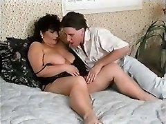 RIEBALŲ MAMA su sūnumi