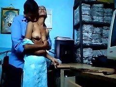 India Naised seksivad kontoris