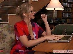 Beauty mom Julia Ann gets big tits nutted