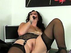 Padaryti didžiosios Britanijos grannies dar masturbuotis?