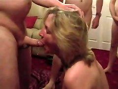 Cumslut žmona sucks daug vyrų