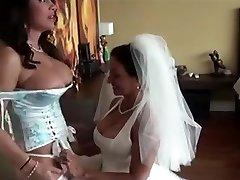 Lesbiečių Veiksmų #1 (Puma Brides)
