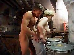 Saksa Vanaema nikutud kõva