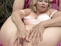 Mano Mielas Grannies 02 (Crazy Masturbacija!!!)