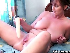 Mom needs to get off after watching online pornography