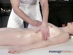 Massaaž Toad Ilus kahvatu nahaga Ema squirts, et väga esimest korda
