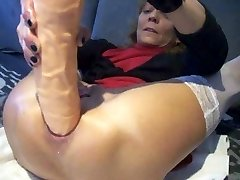 Extreme anal plug and climax