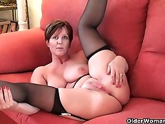 British finest milf Joy exposes her natural hotty