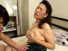 Noor tüdruk, Fucks Jaapani Küps Ema