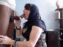 araabia babe teha blowjob
