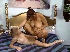Lesbid, teismeline ja küps, 3 kohta 3