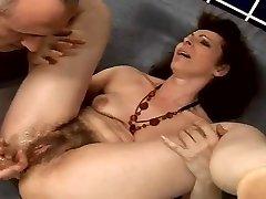 karvane vanaema anal squirter