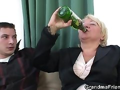 boozed blond granma on topelt perses