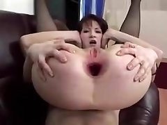 Mature whore with a bottomless widely opened rectum