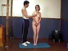 mergina gauna atskirtas nubausti ir spanked senas mokytojas