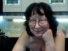 vanaema masturbating prillid veebikaamera