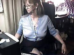 Armas vanaema prillidega 6