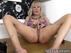 gilf sekretär elaine otsustab masturboida lauale
