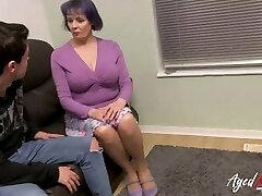 agedlove busty briti küps fucks teismeline mees