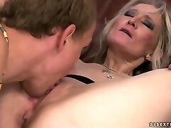 Blonde mature woman seduces fellow to ravage