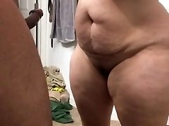 Super thick cougar sucking schlong