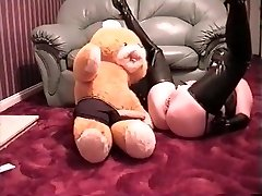 miss rubber gets otter to rub her coochie
