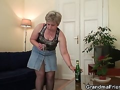 Vana vanaema kahekordse hõlvamine