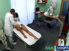 FakeHospital Kuum mustade juustega ema pettused kohta ukko