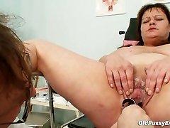 Big tits, ema tõeline gyno kontrollimine