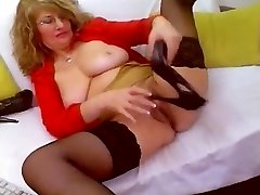 Horny Mature web cam Self Knuckle Heel Insertion & Fucks Shoe - heelslovers@por