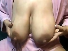Lactating mother thick nipples Vivan from onmilfcom