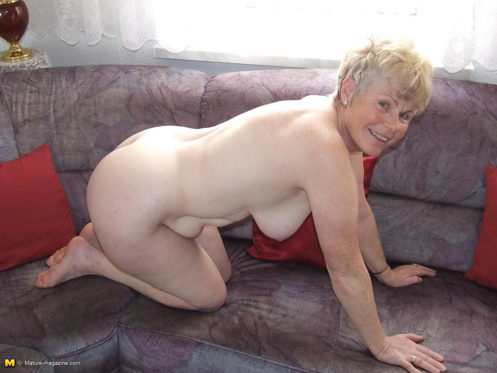 Lady naked pics older Restricted