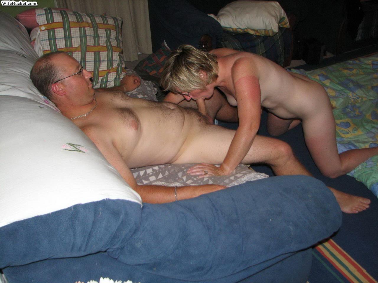 Amateur Wife Sucking Strangers
