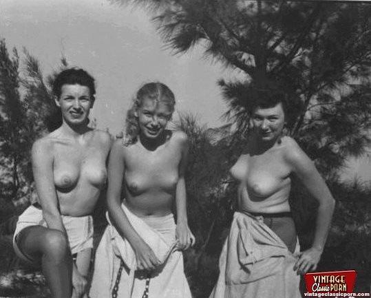 Girl nude vintage College: 905