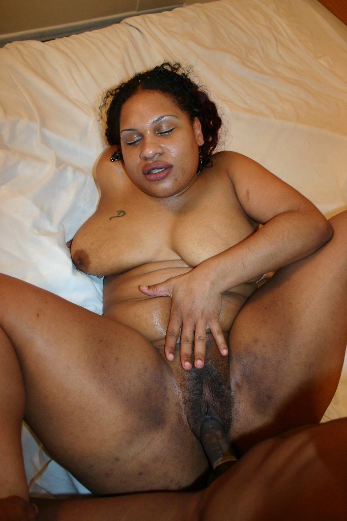 Ebony Eating Friends Pussy