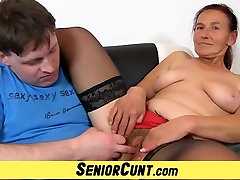 Granny Linda old hairy pussy spread and toyed