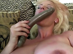 Slutty mom with nude mmom saggy sexi step mom and very hungry pussy