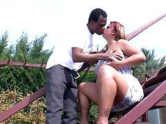 Amateur gorgeous desi girl sex scandal mom takes clip en chaleur de bj black cock