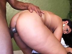 Gorgeous Brazilian Kessia Brunelly taking in massive cock in