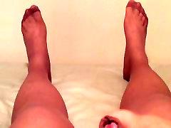 Pantyhose cumshot showing off jese camshow feet